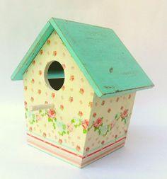 Decorative Bird Houses, Bird Houses Painted, Diy Mod Podge, Bird House Feeder, Clay Houses, Bird Boxes, Shabby Cottage, Shabby Chic, Baby Room Decor