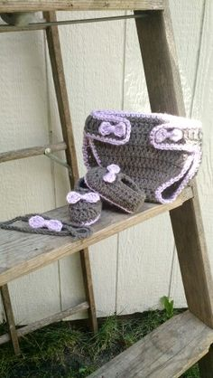 Crochet diaper cover shoes and band with bows