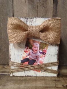 Wood Block Frame by SouthernFarmhouse *minus the bow* 2x4 Crafts, Wood Block Crafts, Wooden Crafts, Wood Blocks, Wood Projects, Cute Crafts, Craft Projects, Glass Blocks, Picture Frame Crafts
