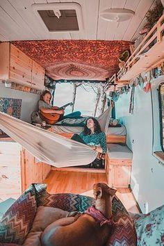 Camper Hacks, Bus Camper, Camper Life, Beach Camper, Rv Campers, Bus House, Tiny House, Van Life, Hippie Camper