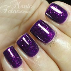 Make an original manicure for Valentine's Day - My Nails Purple Glitter Nails, Sparkle Nails, Fancy Nails, Cute Nails, Pretty Nails, Purple Wedding Nails, Glitter Flats, Glitter Dress, Glitter Fabric