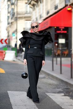 Diego Zuko is in Paris for the couture collections to bring you all the best style off the runways.