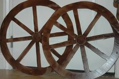 How to make a wagon wheel out of cardboard