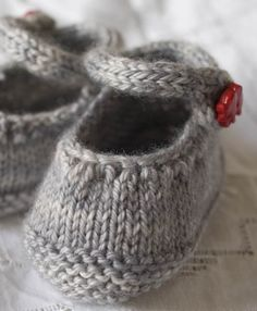 Tiny Shoes pattern.