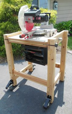 This is the great DIY flip top cart for a miter saw and planer my father built, and I have since inherited. Being that I don't have a dedicated workshop – like Easy Woodworking Ideas, Woodworking Workbench, Woodworking Shop, Woodworking Crafts, Workbench Table, Sketchup Woodworking, Woodworking Beginner, Woodworking Organization, Intarsia Woodworking