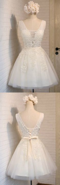 Ivory Ball-gown V-neck Short Homecoming Dress With Appliques Lace