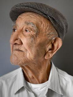 Sierlijk ouder worden: Prachtige portretten van mensen die de 100 al (lang) zijn gepasseerd