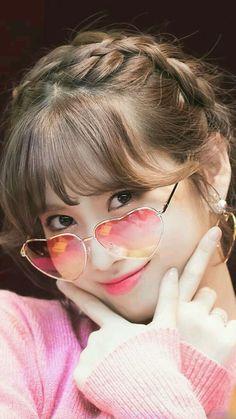 MoMo very cute Nayeon, Girls Dp, Kpop Girls, Cute Girls, Korean Girl, Asian Girl, Oppa Gangnam Style, Sana Momo, Chaeyoung Twice