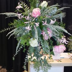 Loose and airy, a natural bouquet with style