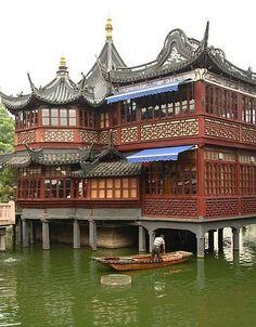 Merrick's house?   yuyuan-garden-tea-house-n2-china-china+13293334970-tpfil02aw-15456.jpg (400×512)