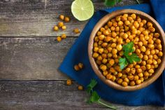 While this fried chickpeas recipe is full of flavor and crunchiness and will make you think it's a sinful snack, you can enjoy it guilt free, because it is made with good-for-you ingredients. Chickpea Recipes, Healthy Chicken Recipes, Diet Recipes, Easy Healthy Breakfast, Healthy Snacks, Lower Cholesterol Naturally, Cholesterol Levels, Reduce Cholesterol, Healthy Recipes