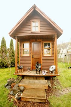 The tiny house movement isn't necessarily about sacrifice. Check out these small house pictures and plans that maximize both function and style! These best tiny homes are just as functional as they are adorable. Tiny House Movement, Tiny House Living, Small Living, Living Room, Trailer Casa, Cabana, Best Tiny House, Solar Powered Lights, Little Houses