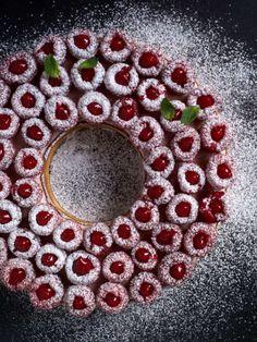 Raspberry Tart and Mascarpone Cream. A delicious raspberry tart made up of a sweet shortcrust pastry topped with a raspberry mascarpone cream and fresh raspberries. Sweet Desserts, Sweet Recipes, Dessert Recipes, Christmas Truffles, Christmas Desserts, Scones Ingredients, Raspberry Tarts, Almond Paste, Almond Cream