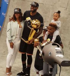The First Family of the NBA ❤️ #Jamesfamily #zhurijames #princesszhuri #fatherfirst #cavs #kingjames#lebron #lebronjames #lbj #mvp #champions #nbafinals #nba #cavaliers #cleveland #basketball #finals #nbafinals #game7 #bronnyjames #lebronjr #brycejames #brycemaximus