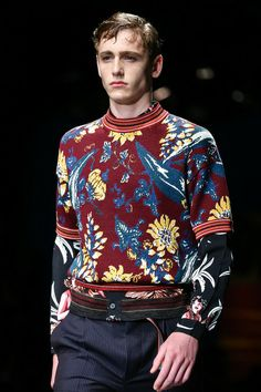 Prada Spring 2014 Menswear Collection #MALHAS #TRICOLINES #florais_escuros