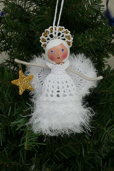 Crochet Dolls Designs Clothespin Doll Angel for Gift Exchange Family Christmas Ornaments, Christmas Angels, Christmas Art, Christmas Decorations, Xmas, Crochet Angels, Crochet Dolls, Vintage Illustration, Handmade Angels