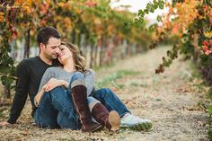 Warm, autumn sun. Gorgeous couple. Wine. Check check and checkity-check.These are the makings of a fantastic engagement session in beautiful Livermore, California. The vineyards in this area are hidden gems, and are really some of my favorite locations for my couples! It is never as busy as Napa…