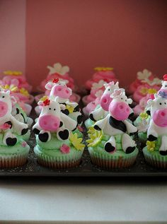 Cow cupcakes. When Ramona and Andrew have a baby, we so need these at the baby shower!