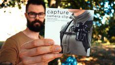 Dans cette super review magique, je vous présente un accessoire indispensable de la marque Peak Design qui sert à fixer momentanément son appareil photo dslr à une lanière de sac par exemple. Cela permet d'avoir les mains libres entre deux shoot de photo :) Le dispositif permet de disposer de son appareil photo rapidement en le décrochant de son sac en 2 secondes.  Intéressé par cet accessoire photo ? Appareil Photo Reflex, Accessoires Photo, Plus Jamais, All Video, Cameras, Design, Videos, Magic, Bag