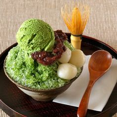 Ujikintoki (Uji Matcha Kakigori) is very refreshing for hot humid summer days!