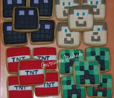 Biscoitos decorados do Minecraft.