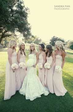 I love the whole pink/nude/champagne combinations for bridesmaids with pale pink flowers