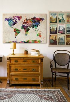 Traveled all over the world? Here's the perfect combination for you with vintage illustrations of cities in the world and a colorful watercolor map to match.
