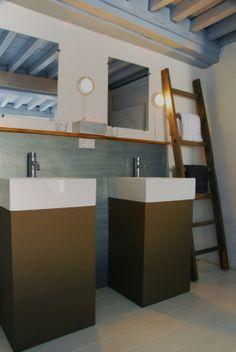 la paresse en douce, auvergne B & B, Bathroom Lighting, Bathtub, Xl, France, Mirror, Toilet, Furniture, Home Decor
