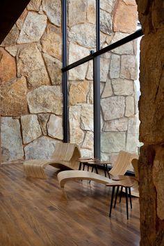 hotel spa The Botanique Hotel amp; Spa is a stunning spot located in Bairro dos Mellos, Campos do Jordo, Brazil Casa Hotel, Hotel Spa, Wood Stone, Brick And Stone, Stone Walls, Bathroom Spa, Bathroom Ideas, Stone Houses, Bathroom Interior Design