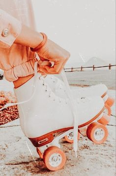Aesthetic Images, Aesthetic Collage, Aesthetic Backgrounds, Aesthetic Iphone Wallpaper, Aesthetic Photo, Aesthetic Wallpapers, Aesthetic Clothes, Orange Aesthetic, Summer Aesthetic