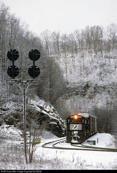 RailPictures.Net Photo: NS 8043 Norfolk Southern GE C30-7 at Bluefield, Virginia by Ed Wolfe