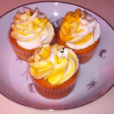Vanilla bean cupcakes with vanilla buttercream by the BakeQueen