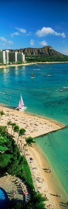 Diamond Head and Waikiki Beach on Oahu in Honolulu, Hawaii, USA Hawaii Vacation, Hawaii Travel, Dream Vacations, Vacation Spots, Hawaii Usa, Honolulu Hawaii, Aloha Hawaii, Hawaii Honeymoon, Vacation Ideas