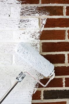 How to paint brick and stone (click through for tutorial) ABM Painted Brick Exteriors, Painted Brick Walls, Painted Brick Fireplaces, Brick Fireplace Remodel, Fake Brick Wall, Fireplace Bookcase, Casa Mix, House Paint Exterior, How To Paint A Brick House