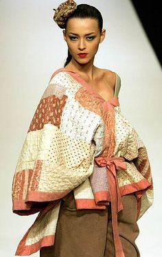 A model wears an outfit by designer Jessica Ogden during her autumn/winter 2005/ Picture # 10009