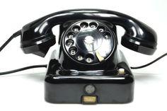 Antic telèfon de baquelita