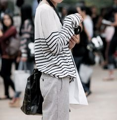 Baggy stripped sweater.