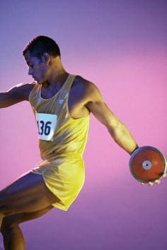 How To Throw Better In Shot Put & Discus | LIVESTRONG.COM
