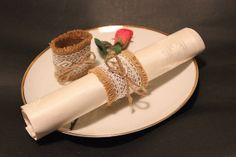 2x Burlap / hessian napkin holder or ring with lace by SoLuvli