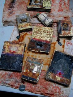 mud puddle madonna — po batch Elizabeth Bunsen Be… Dream… Play… Handmade Journals, Handmade Books, Handmade Art, Handmade Rugs, Altered Books, Altered Art, Fabric Journals, Art Journals, Mixed Media Journal