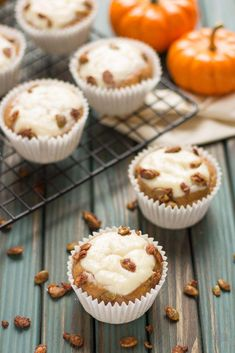 Pumpkin Spice Cream Cheese Muffins are the quintessential treat of Fall. Filled with aromatic autumn spices, stuffed with cream cheese and sprinkled with sugared pepitas, this is sure to be your go to Pumpkin Spice Cream Cheese Muffins recipe. Pumpkin Cream Cheese Muffins, Pumpkin Cream Cheeses, Keto Friendly Desserts, Low Carb Desserts, Healthy Desserts, Pumpkin Recipes, Fall Recipes, Top Recipes, Yummy Recipes