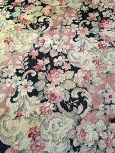 Discount Carpet Runners By The Foot Key: 6280016942 Shabby Chic Rug, Vintage Shabby Chic, Carpet Decor, Rugs On Carpet, Carpet Ideas, Victorian Rugs, Victorian Era, Affordable Carpet, Rugs