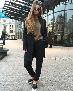 NEW STUNNING INSPIRATION - Daily fashion inspo @fashionfrique Picture Azizaahm #howtochic #ootd #outfit