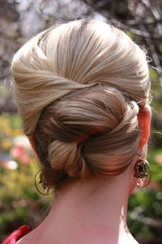 Fancy Half-Up/Formal Ponytail/Wedding Bun