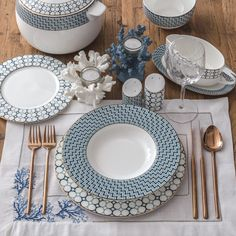 Decoration Bedroom, Decoration Design, Decoration Table, Dinner Sets, Dinner Table, Assiette Design, Table Manners, Beautiful Table Settings, Table Arrangements