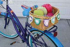 crochet bike basket bunting ~~ free pattern on Craftsy Bunting Pattern, Crochet Bunting, Crochet Garland, Free Crochet, Knit Crochet, Yarn Crafts, Crochet Crafts, Crochet Projects, Diy Projects