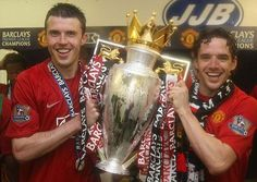 Owen Hargreaves won titles and trophies with Manchester United, seen here with Michael Carrick Manchester United Champions, Manchester United Images, Manchester United Players, Michael Carrick, Premier League Champions, European Cup, Old Trafford, Man United, Manchester United