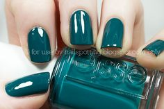 essie go overboard.--have this essie Love Nails, How To Do Nails, Pretty Nails, My Nails, Green Nail Polish, Green Nails, Nail Polish Colors, Essie Colors, Blue Nail