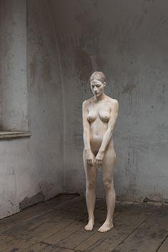 Esculturas de madeira hiper realistas
