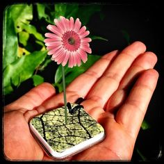 An awesome Virtual Reality pic! A pendant and an augmented reality App  www.bianconiglio.co  #augmentedreality #bianconiglio #bianconiglioapp #pendant #jewel #jewels #jewellery #shapeways #porcelain #necklace #ceramics #flower #flowers #ceramicart #jewelry #pendants #pendant #whiterabbit #ceramiche #handmadeceramics #photoapp #virtualreality #kickstarter #design #jewelrydesign #fashion #shopping #instagood #cool by bianconiglioapp check us out: http://bit.ly/1KyLetq